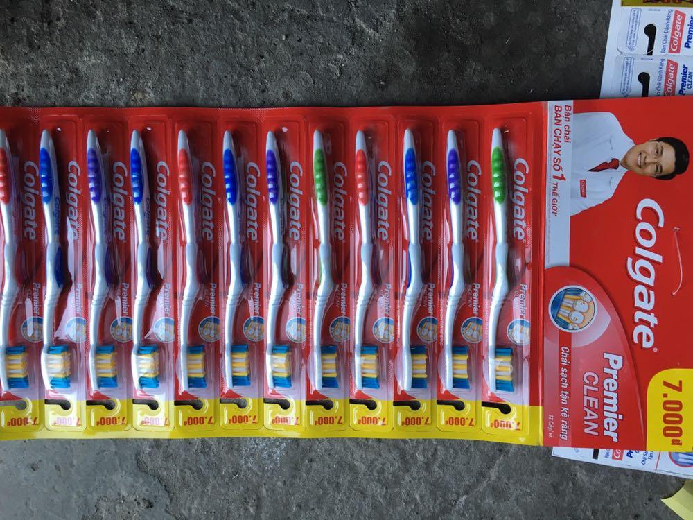 Colgate Premier Clean Toothbrush – made in Vietnam