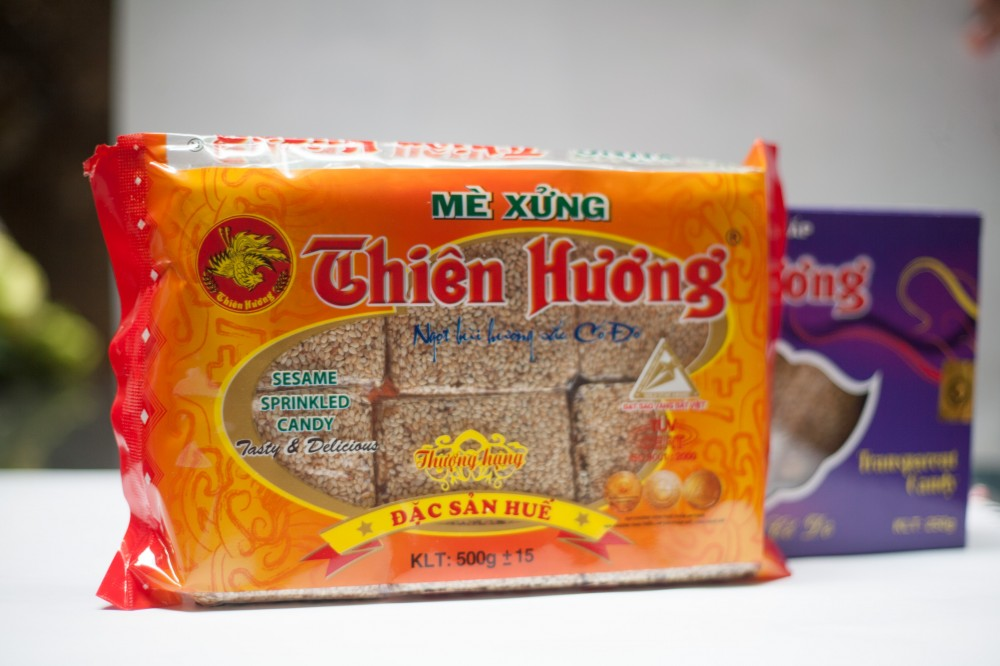 Thien Huong sesame sprinkled Candy 500g