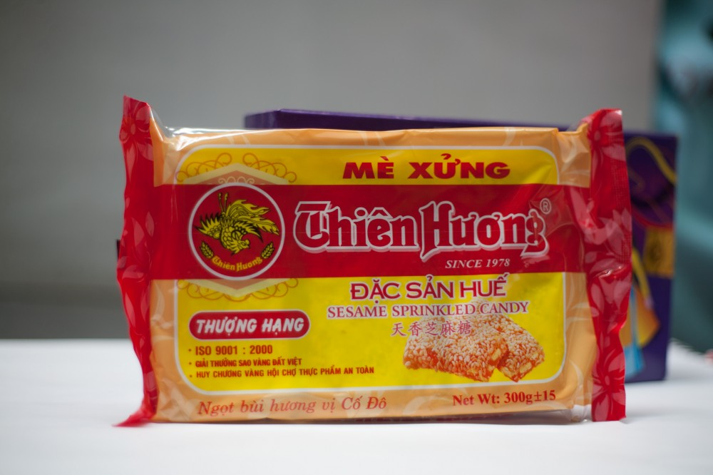 Thien Huong sesame sprinkled Candy 150g